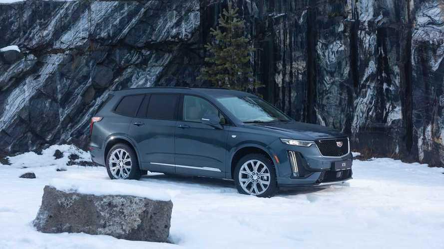 В России открылся прием заказов на новый кроссовер Cadillac