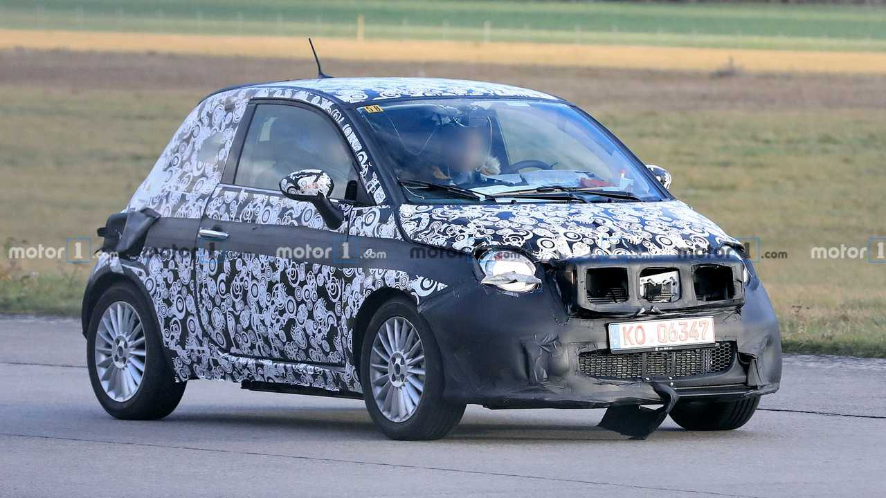 Fiat 500e prototype spy photo