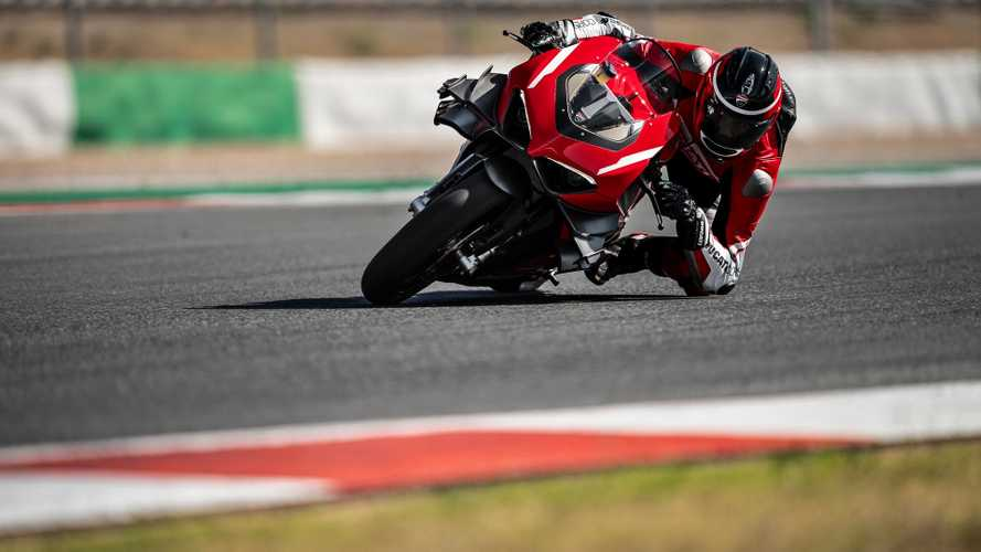 Ducati, la Panigale V4 Superleggera in azione [VIDEO]