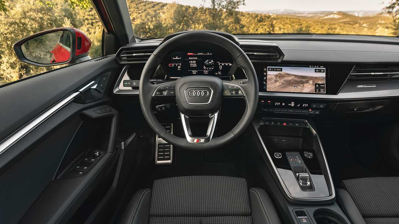 2020 Audi A3 Sportback sabit fotoğraflar