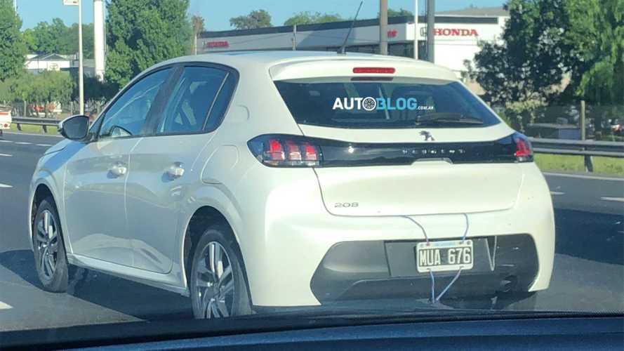 Flagra: Novo Peugeot 208