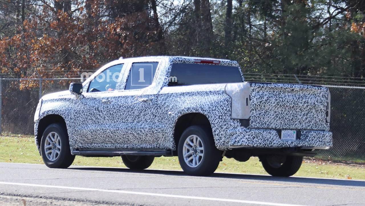 2019 Chevrolet Silverado spy photo