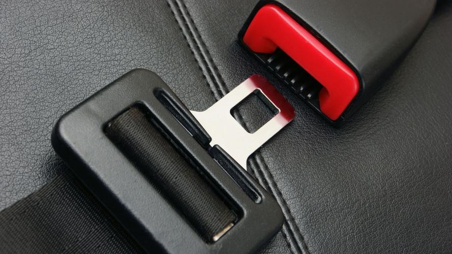 Avviso cinture di sicurezza, come funziona e perché è utile