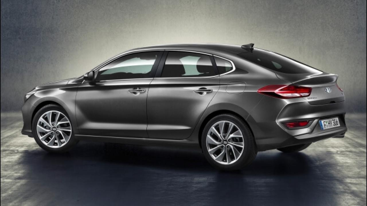 [Copertina] - Hyundai i30 Fastback, la coupé a 5 porte