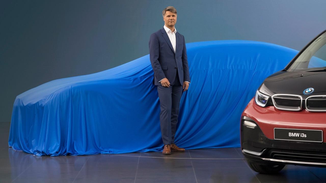 [Copertina] - BMW i5, la berlina elettrica è pronta a svelarsi