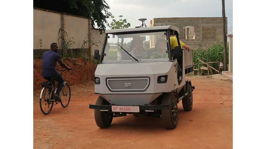 All-Electric Solar aCar Crosses Deserts, Hauls Loads, Powers Your Gear