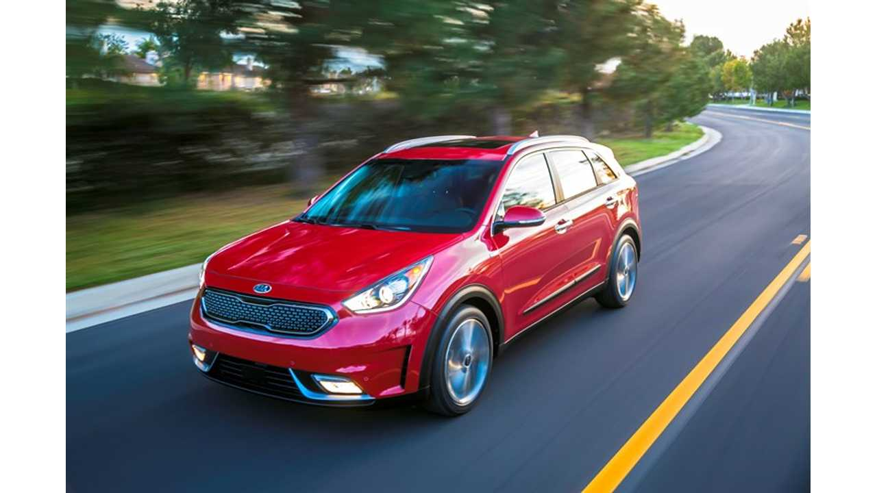 The gasoline-powered 2017 Kia Niro in red