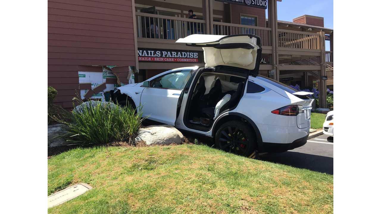 Crashed Tesla Model X Image Credit Motors Forum