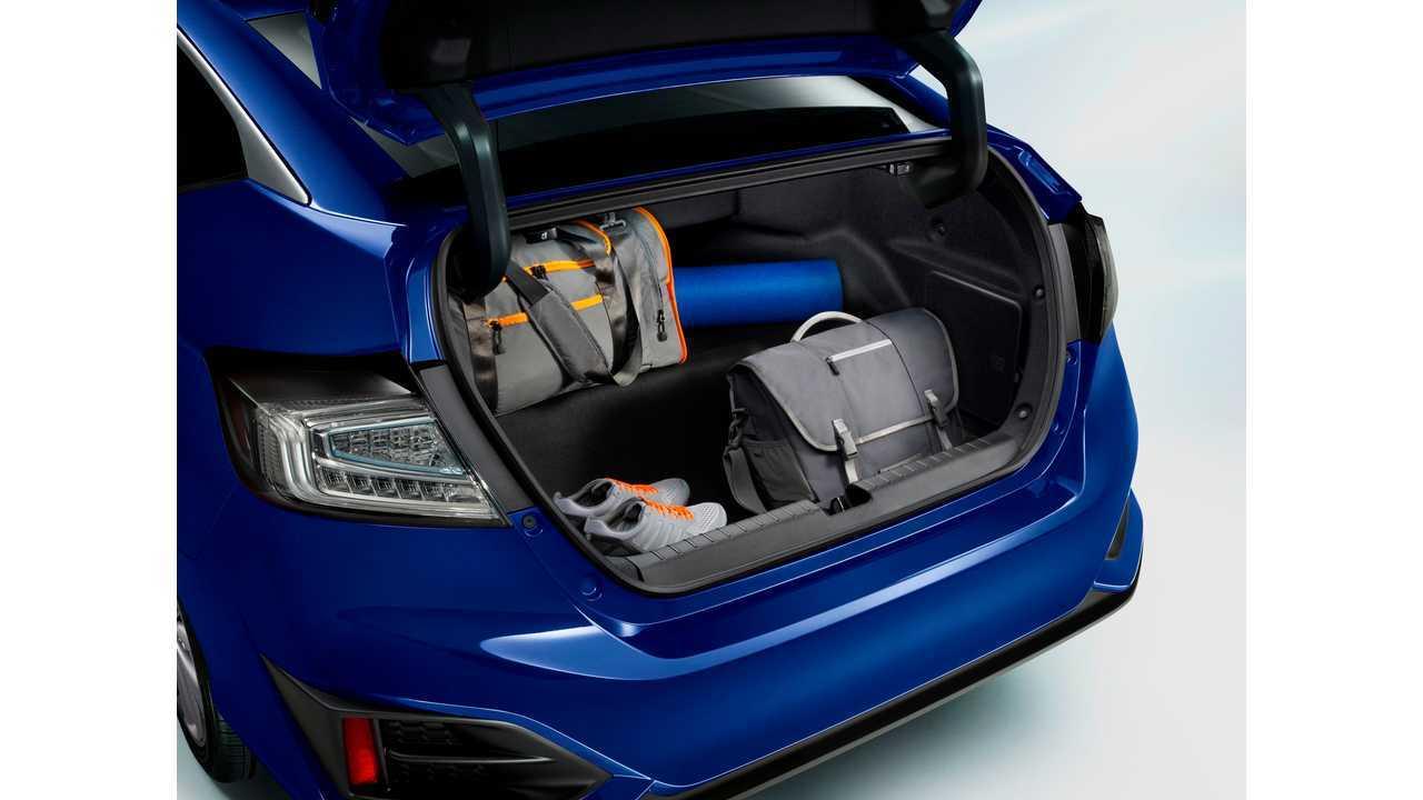 <em>2018 Honda Clarity Electric</em>