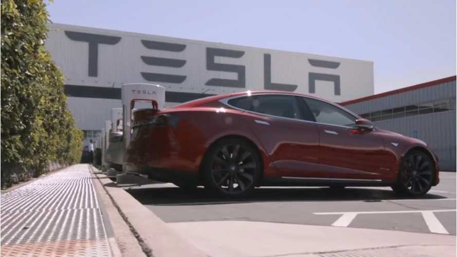 UAW In Hopes of Unionizing Tesla Fremont Assembly Plant