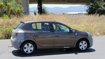 2017 Dacia Sandero facelift spy photo