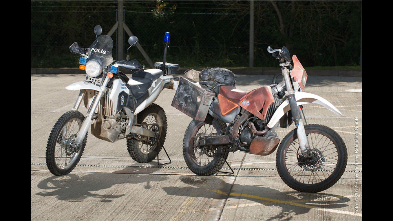 Skyfall (2012) : Honda CRF250R