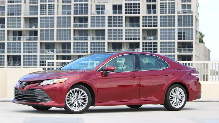 2019 Toyota Camry: Pros and Cons