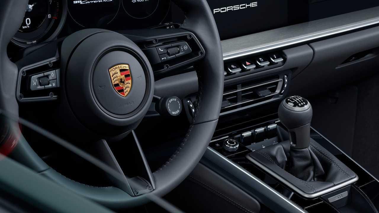 2020 Porsche 911 Carrera S/4S manual transmission