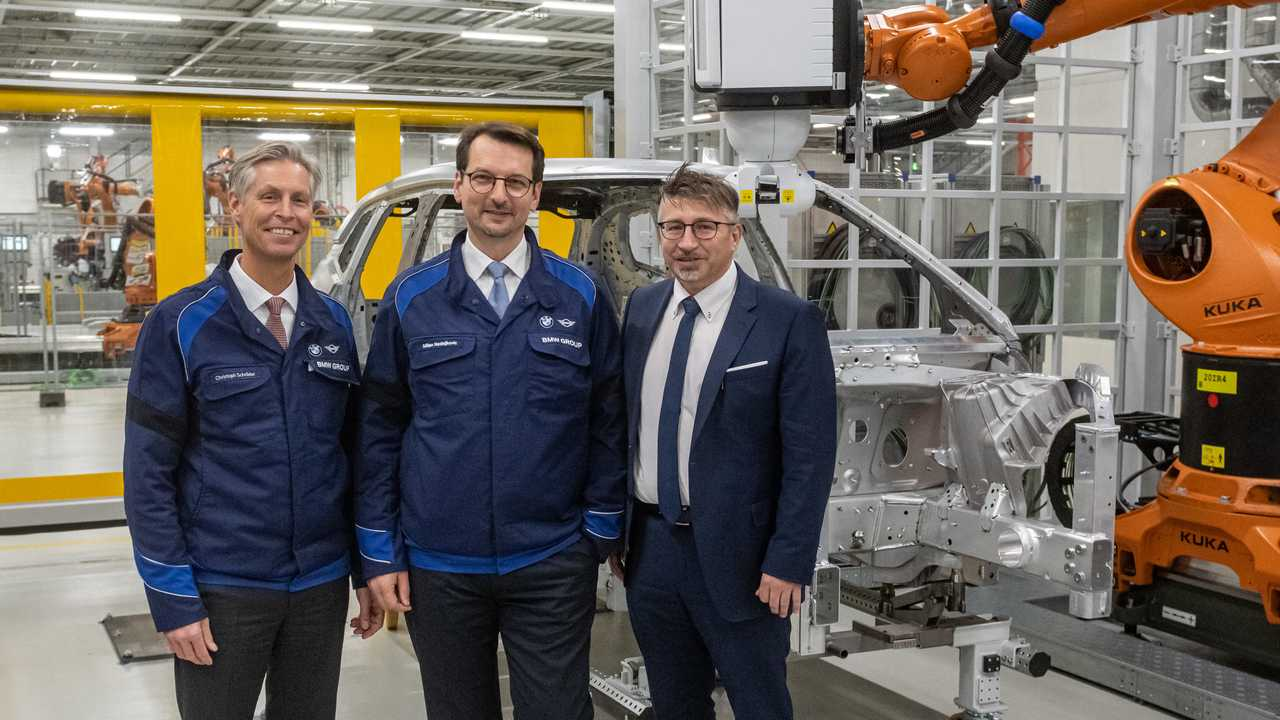 BMW Group invests 400 million euros in Plant Dingolfing for BMW iNEXT