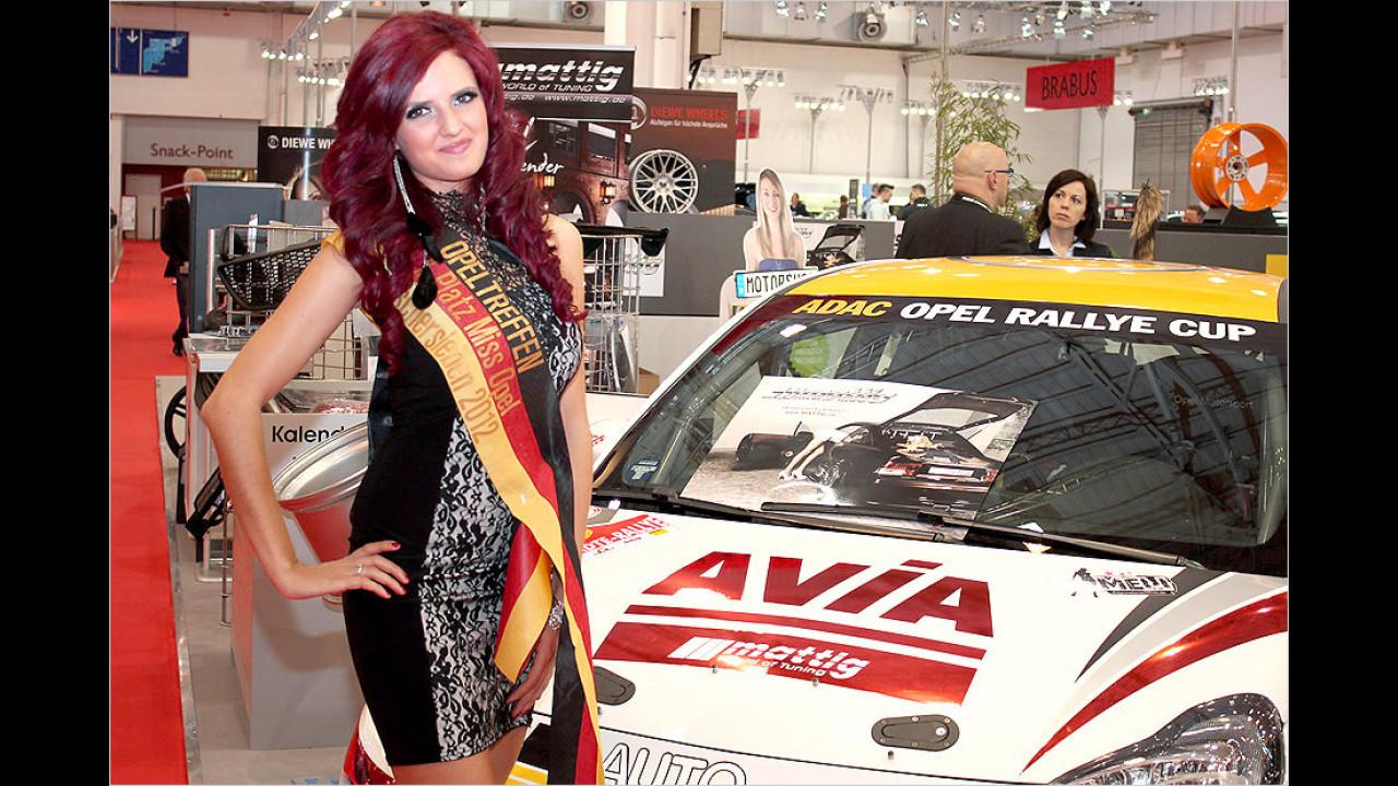 Die Miss Opel 2012 ist ebenfalls in Essen