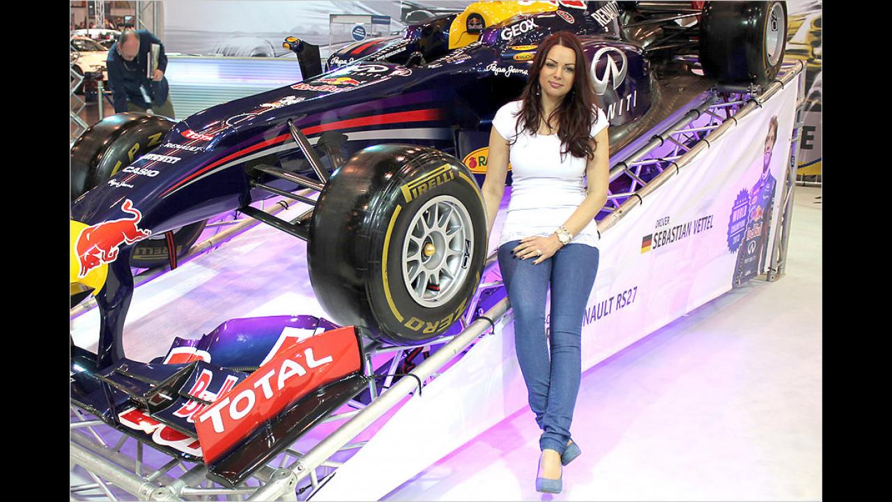 Nein, diese Dame ist nicht die Freundin von Sebastian Vettel