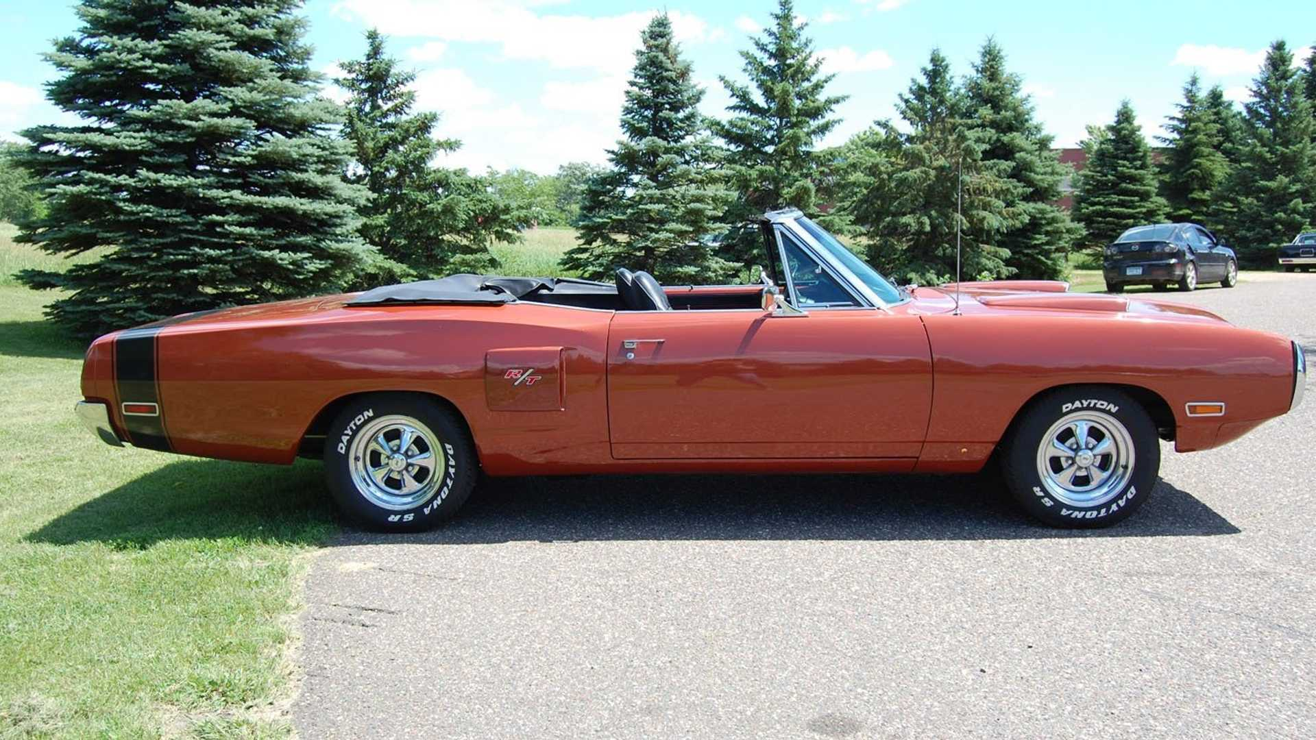 """[""""1970 Dodge Coronet Convertible Is A High-Performance R/T Tribute""""]"""