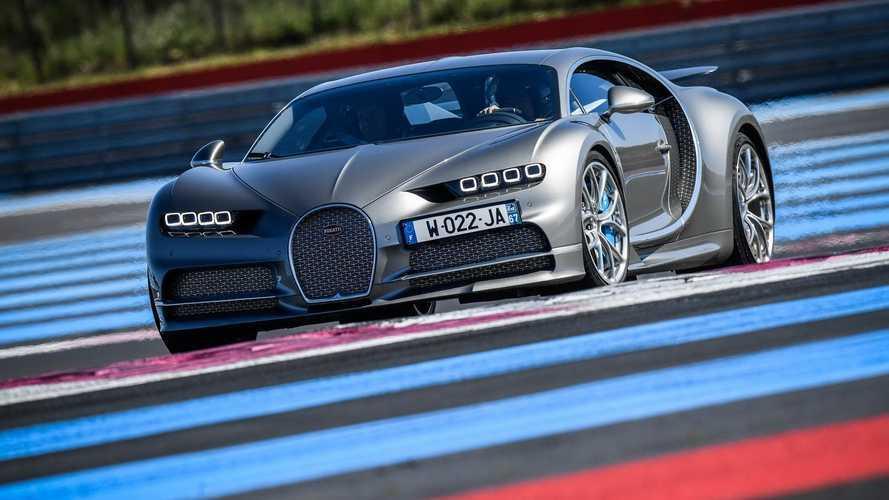 A Paul Richard versenypályán hajtotta meg Chiron és Chiron Sport modelljét a Bugatti