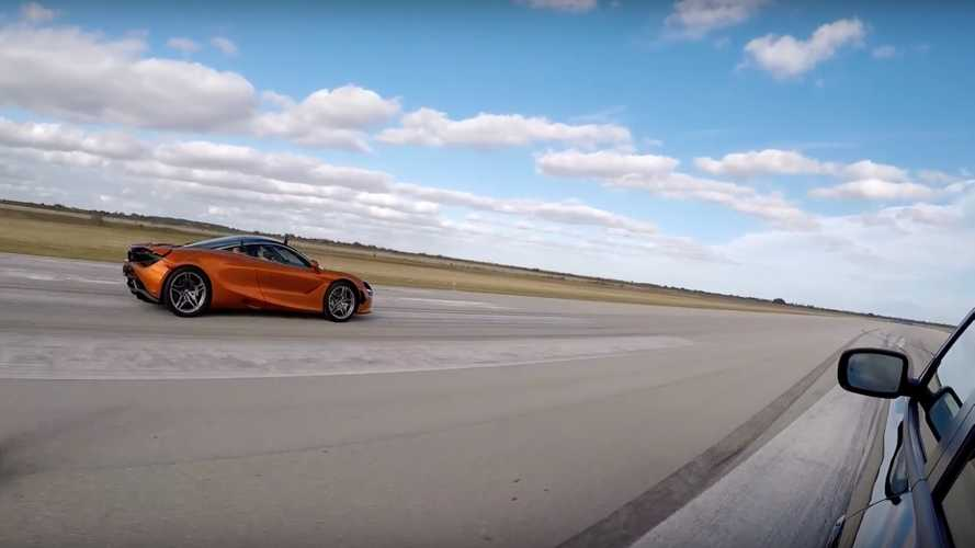 McLaren 720S Drag Races Tuned Charger Hellcat, Challenger Scat Pack