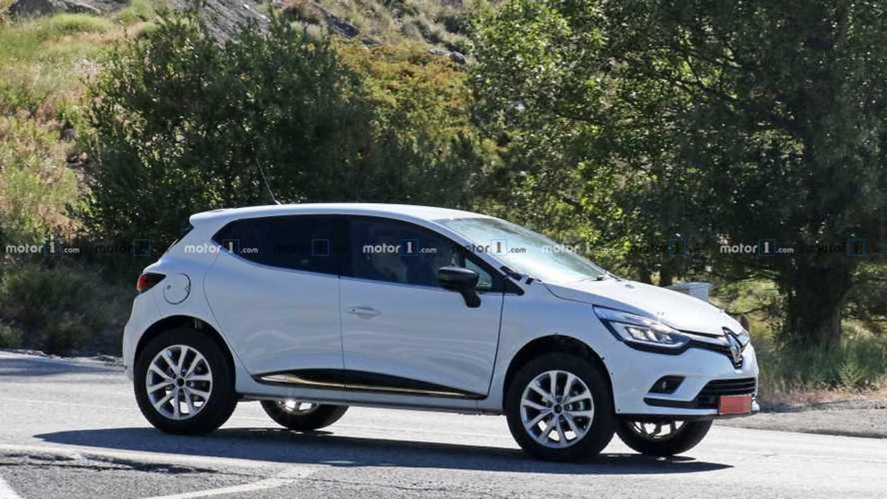 Renaults neues Kleinwagen-SUV als Erlkönig (2019)