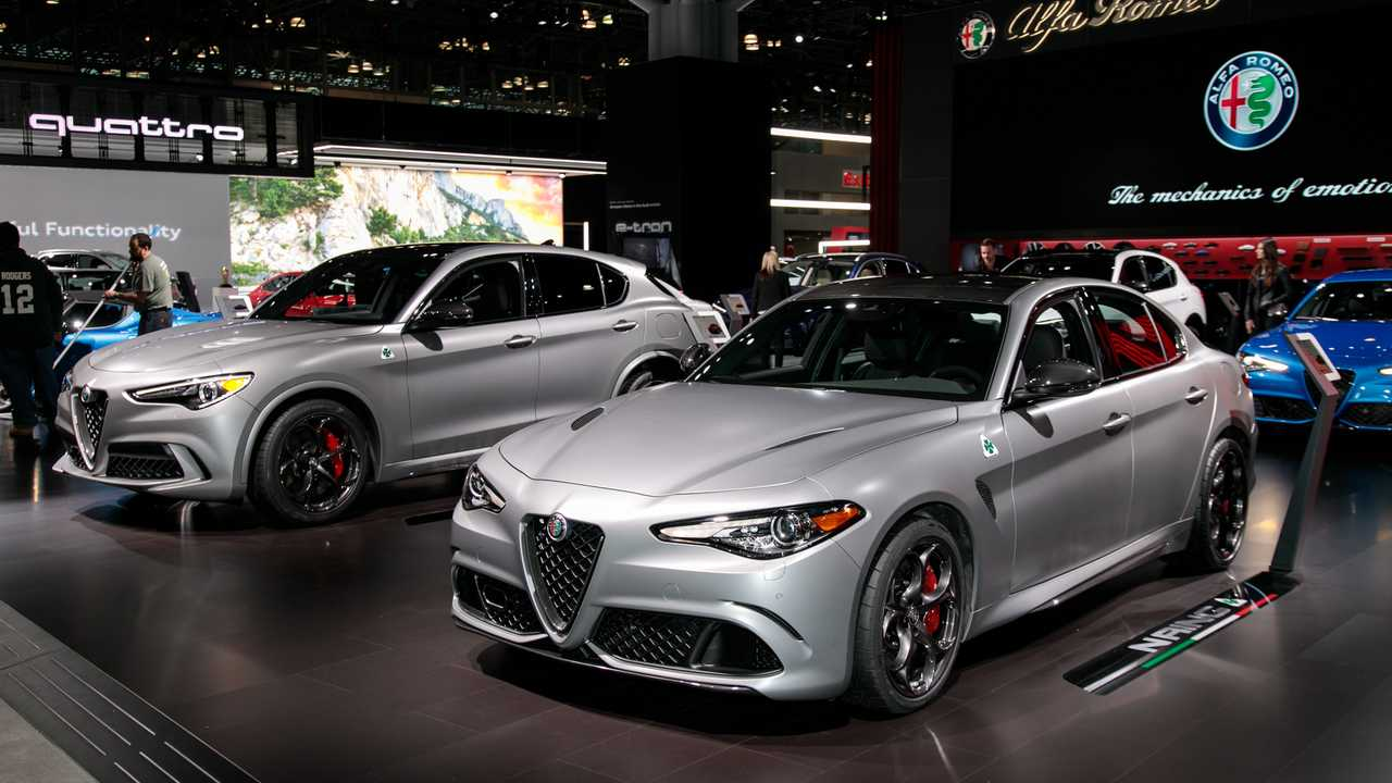 2019 Alfa Romeo Stelvio and Giulia Quadrifoglio NRING Edition Live Photos
