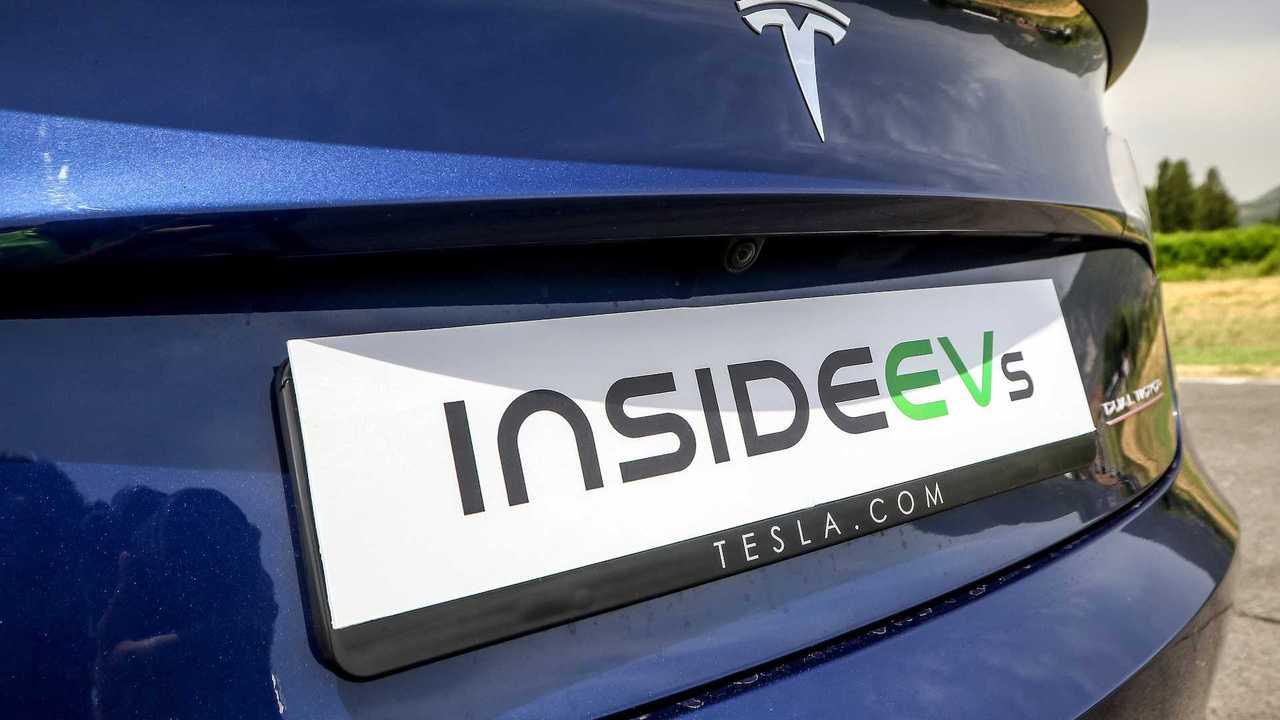 Tesla Model 3 VS Alfa Romeo Giulia Quadrifoglio, challenge between present and future