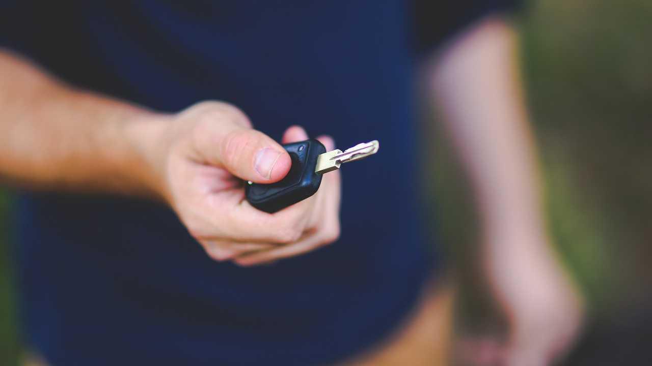 Copertina Noleggio e car sharing, boom frenato da economia e politica