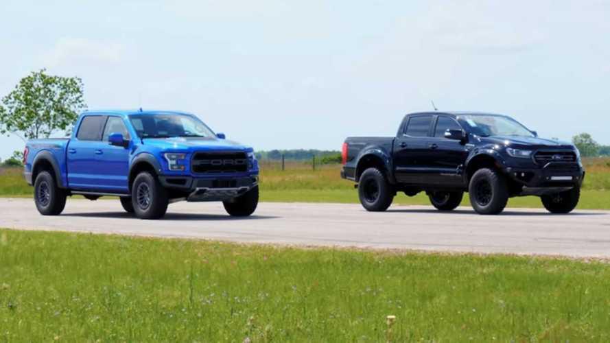Modifiyeli bir Ford Ranger ile Ford Raptor drag yarışında