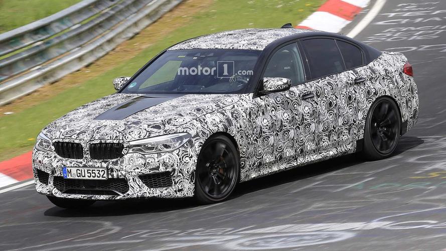 BMW M5 kamuflajını kaybetmeye devam ediyor