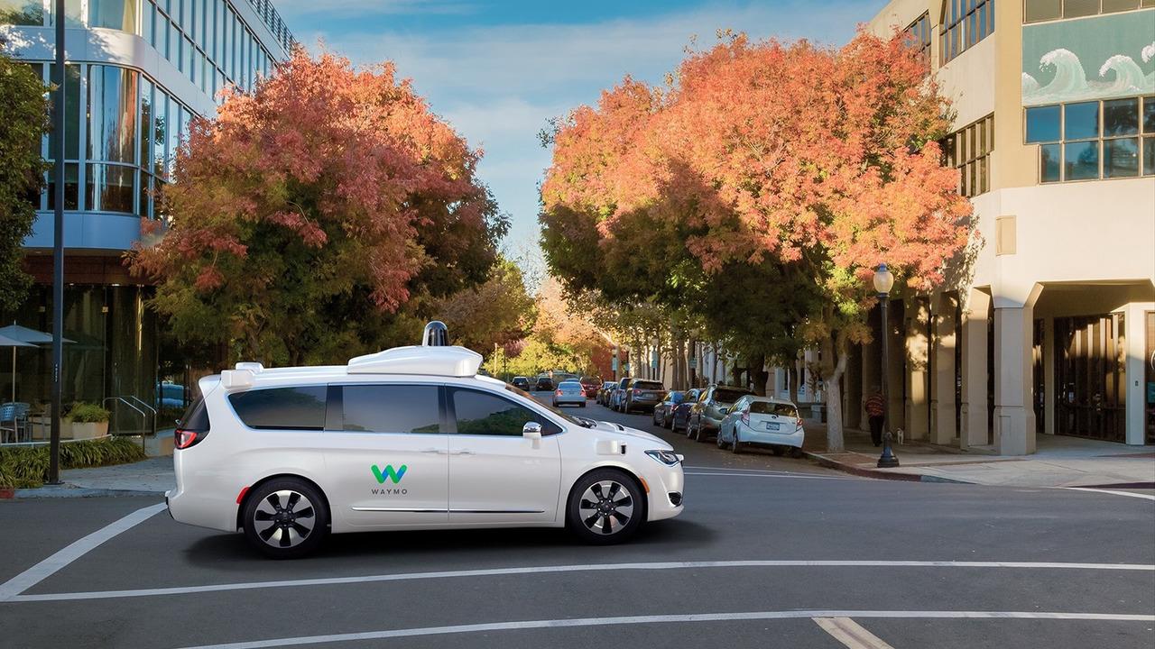 Google Car Waymo en partenariat avec FCA