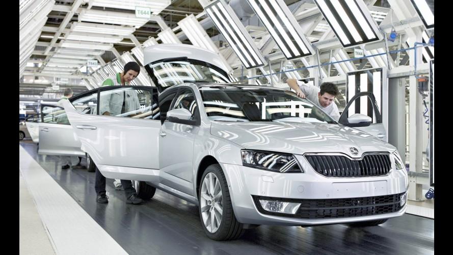 Skoda inicia produção da nova geração do sedã Octavia na República Tcheca