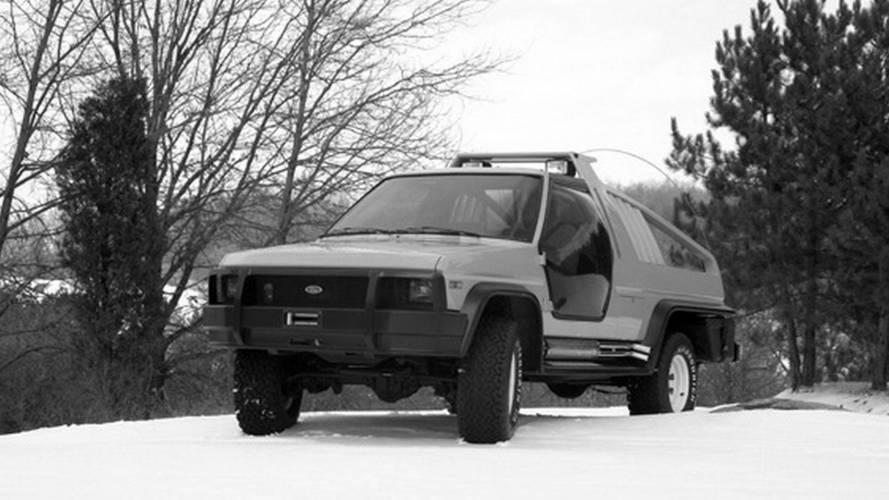 1980 Ford Bronco Montana Lobo и 1988 Ford Bronco DM-1