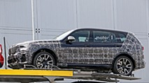 BMW X7, nuove foto spia