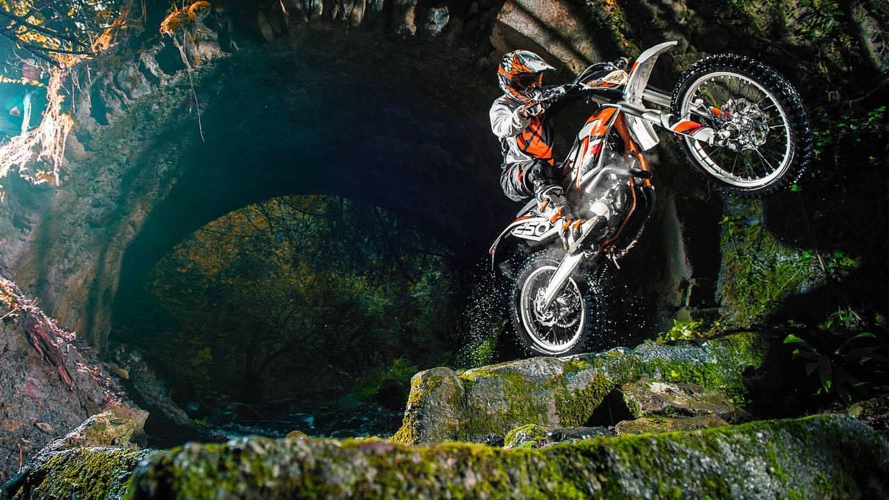 KTM Freeride 250 R: 204lbs Of Accessible Dirt Bike