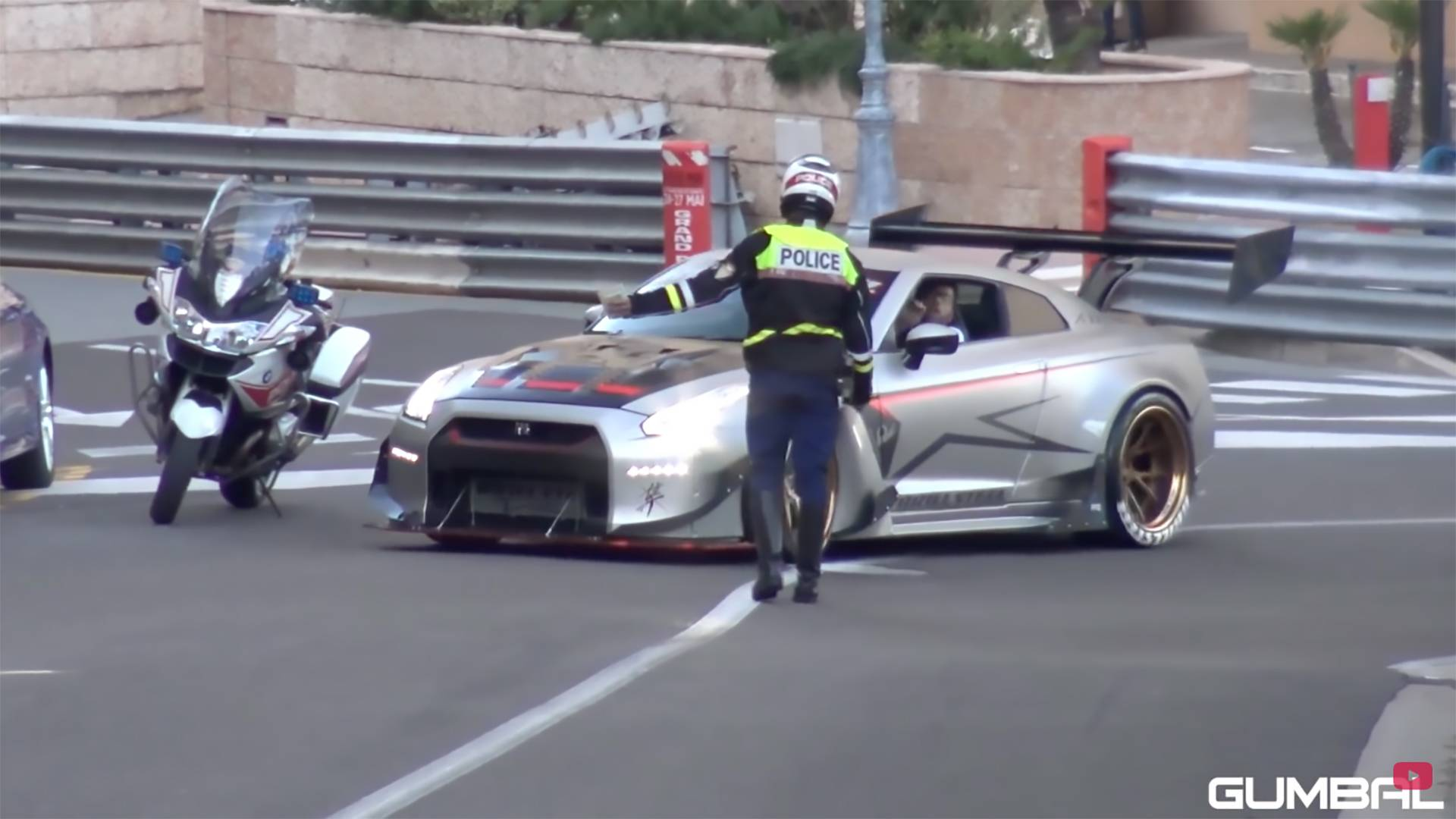 1850 Hp Nissan Gt R With Huge Wing Gets Pulled Over By Police Motor