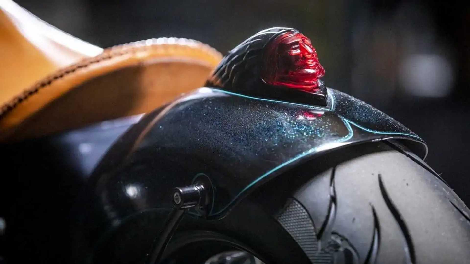 Cox-Keino Indian Chief: 2022 Indian Chief Dark Horse - Taillight