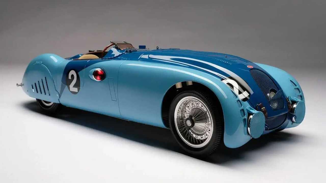 Amalgam luncurkan replika mobil balap Le Mans.