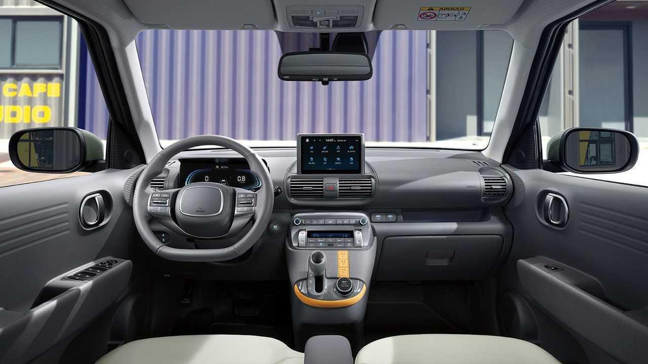 Hyundai рассекретила салон псевдокроссовера Casper