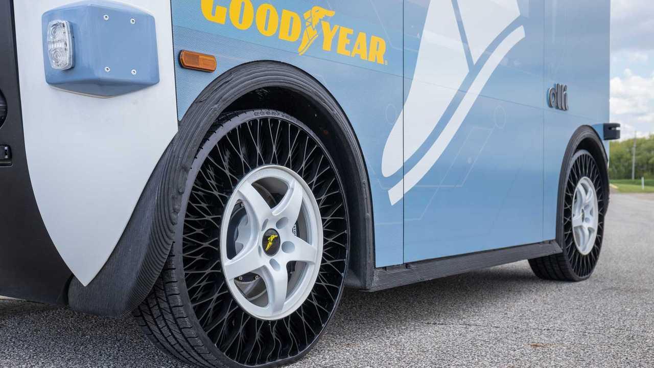Goodyear presenta lo pneumatico senz'aria