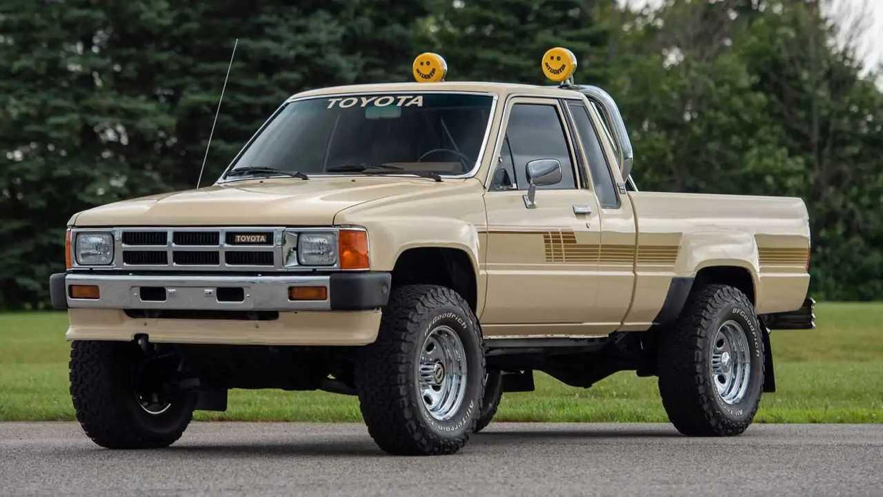1986 Toyota Xtracab 4x4 pickup truck.