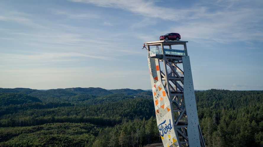 Ford Explorer PHEV on the OVER tower in Norway