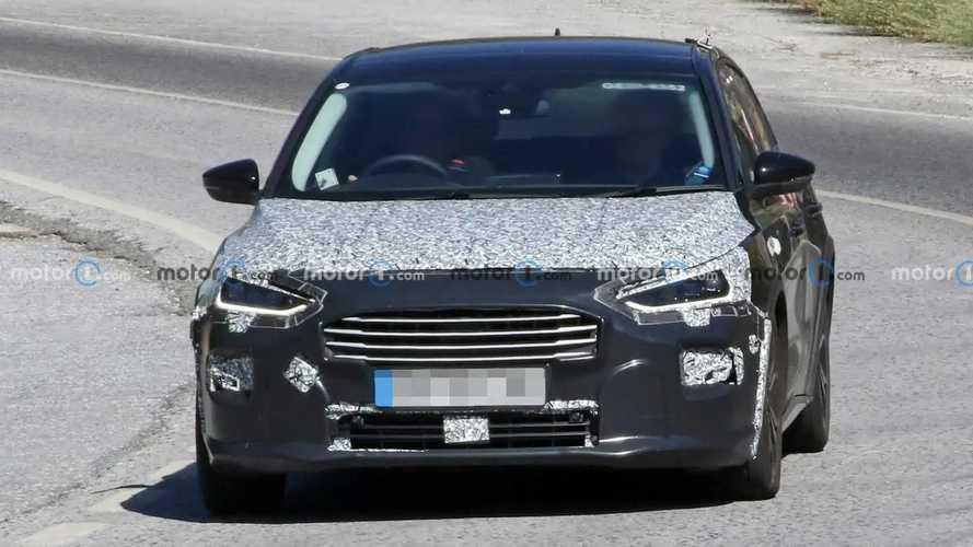 Ford Focus Active (2022) als Erlkönig