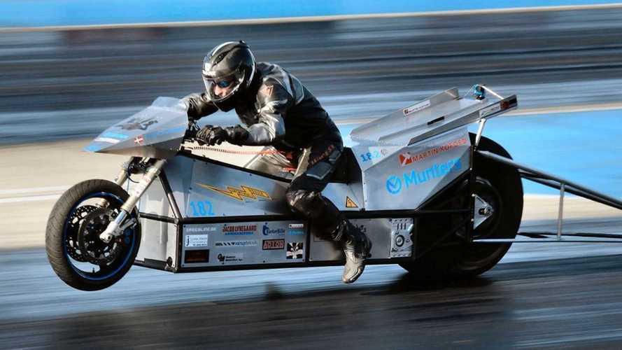 0 a 100 km/h em 0,9 s: moto elétrica quebra recorde mundial de arrancada
