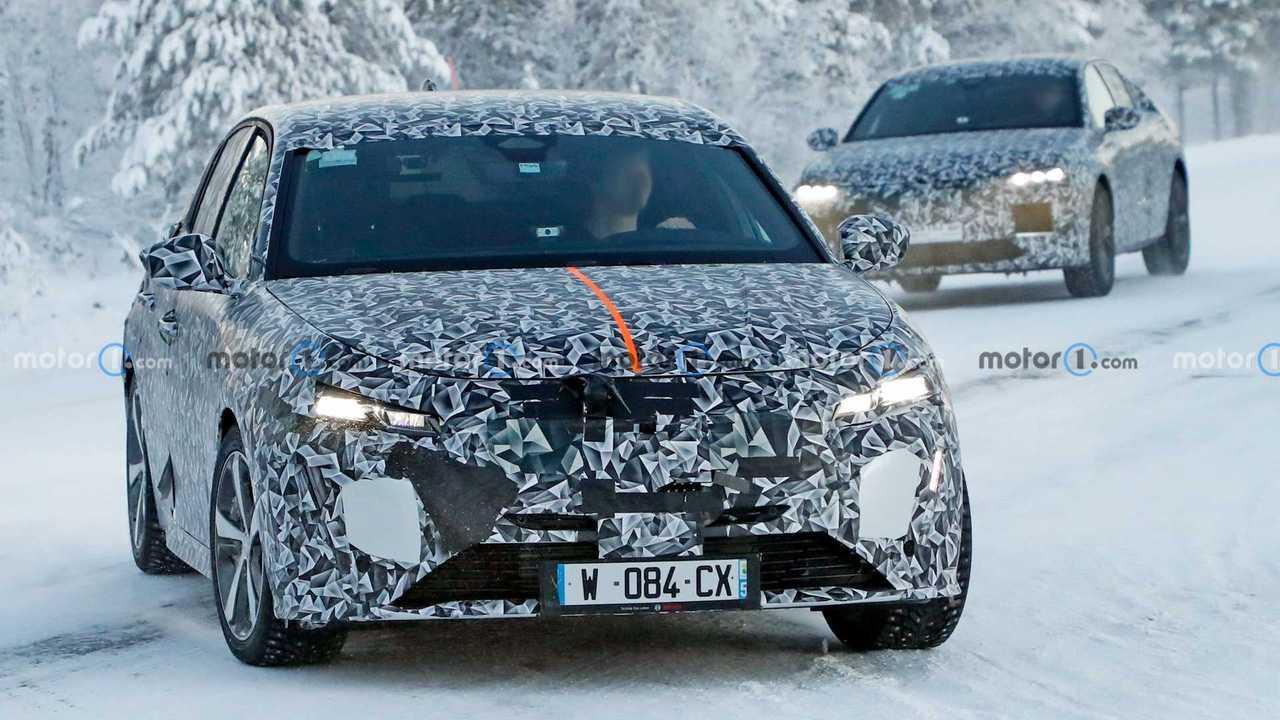Den neuen Peugeot 308 wird es wohl auch als Coupé-SUV geben