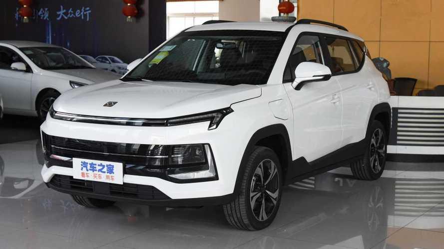 SUV elétrico JAC iEV60 atualizado, que virá ao Brasil, tem pré-venda na China