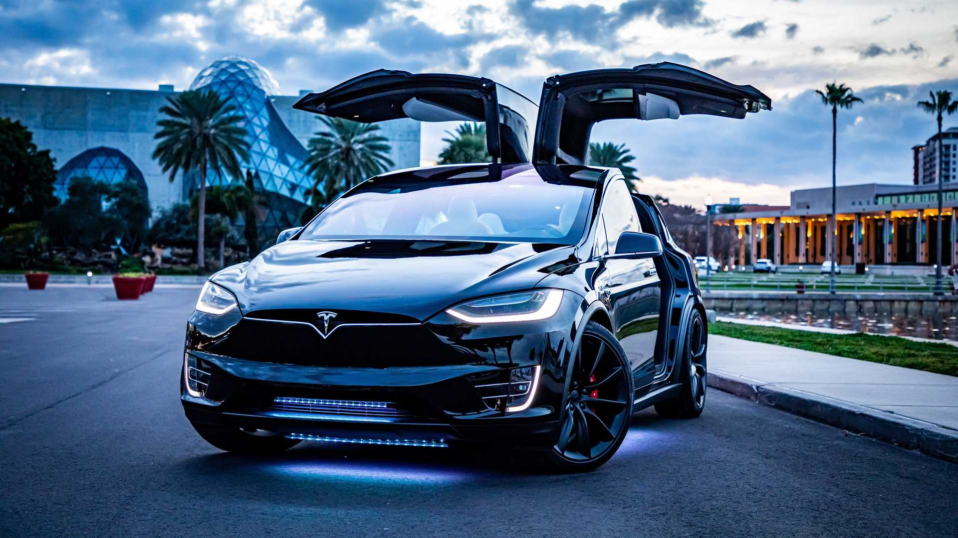 Tesla Model X: Dream Giveaway