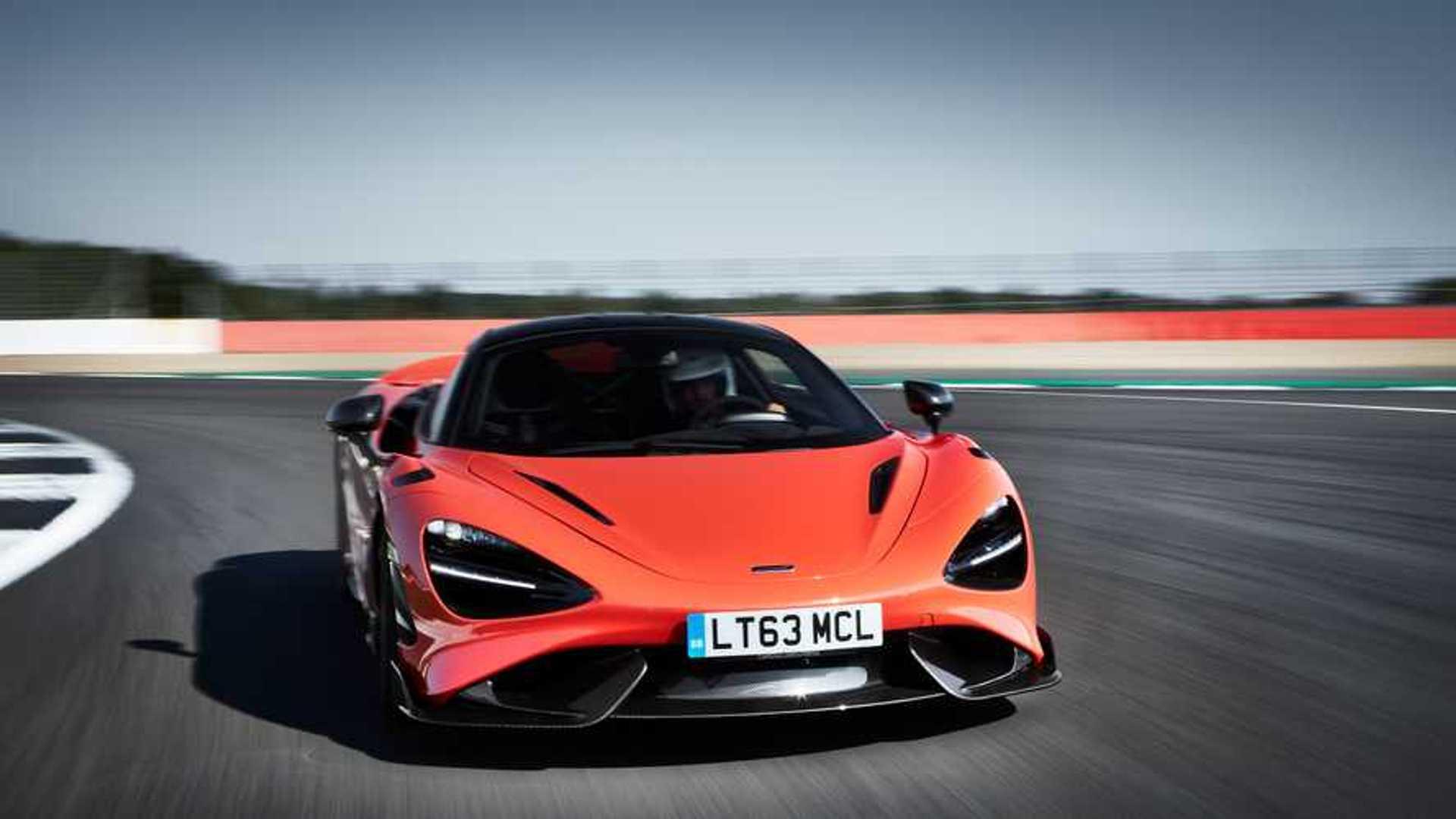 2021 McLaren 765LT front turn action