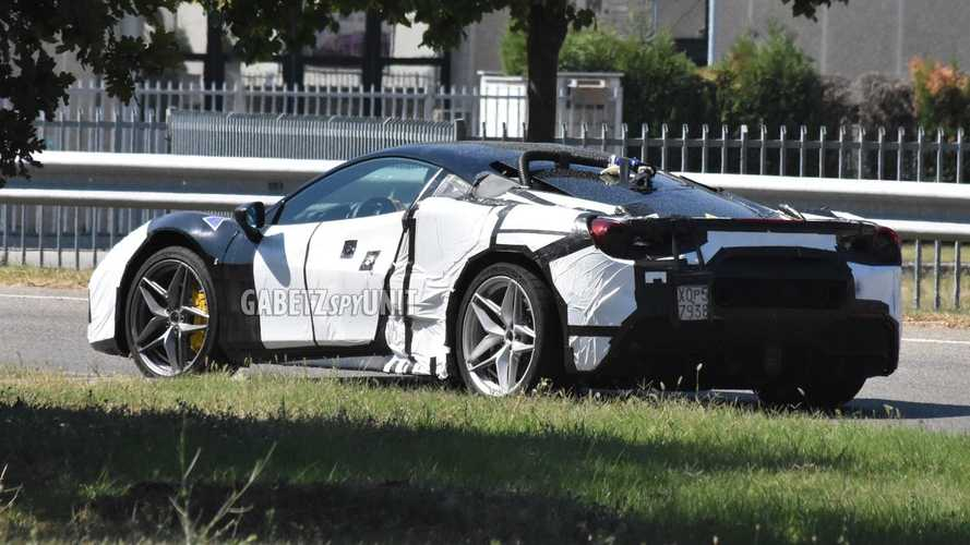 PHOTOS - La nouvelle Ferrari hybride refait son apparition