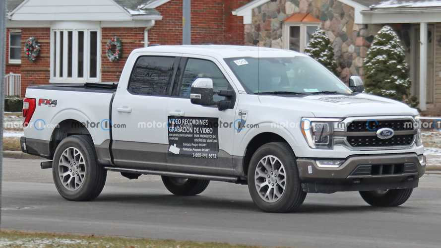 2021 Ford F-150 Magnetic Sign Spy Photos